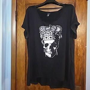 💀Torrid black/white skull top sz.3💀
